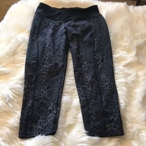 Betsey Johnson leopard leggings size small